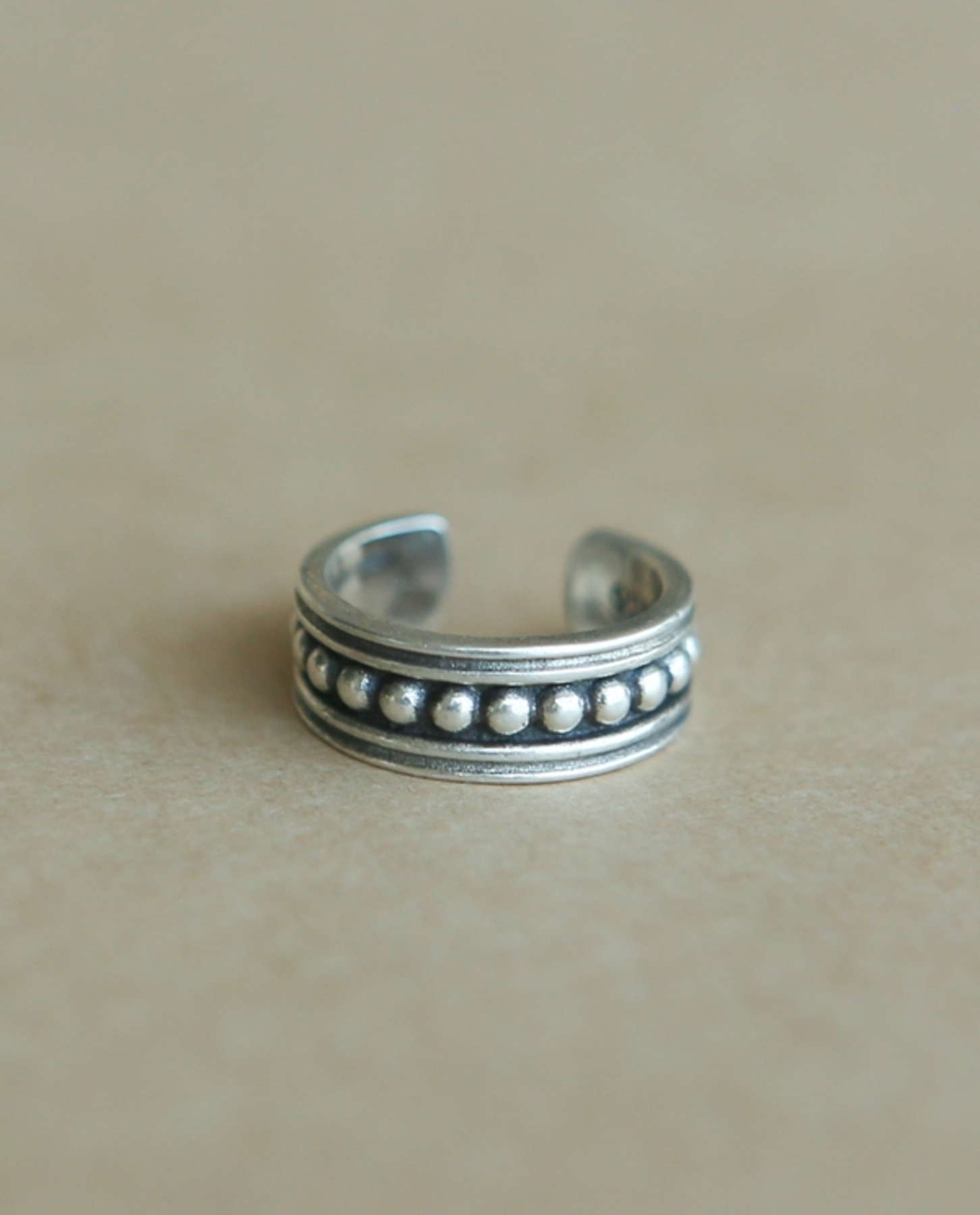 Dot knuckle & toe ring
